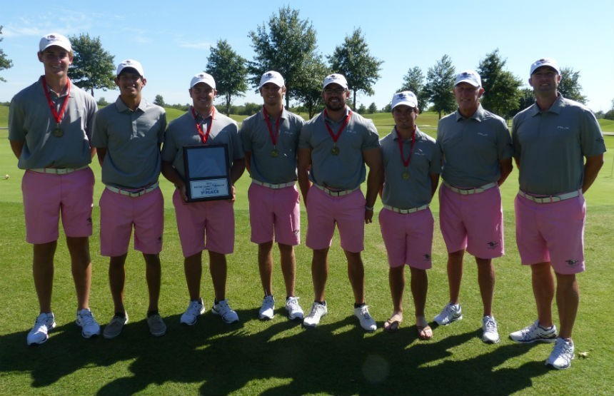 Golf team rallies to win regional championship